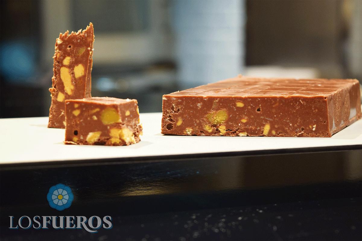 Turrón de chocolate casero - Los Fueros
